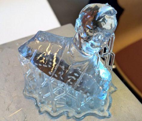 3D-tulostettu läpinäkyvä muotokuva