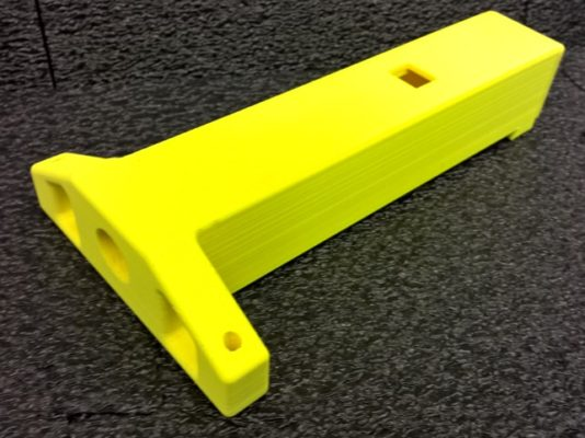 3D-tulostettu keltainen osa